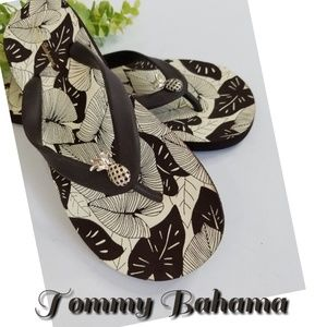 NEW TOMMY BAHAMA pineapple flip flop thong sandal